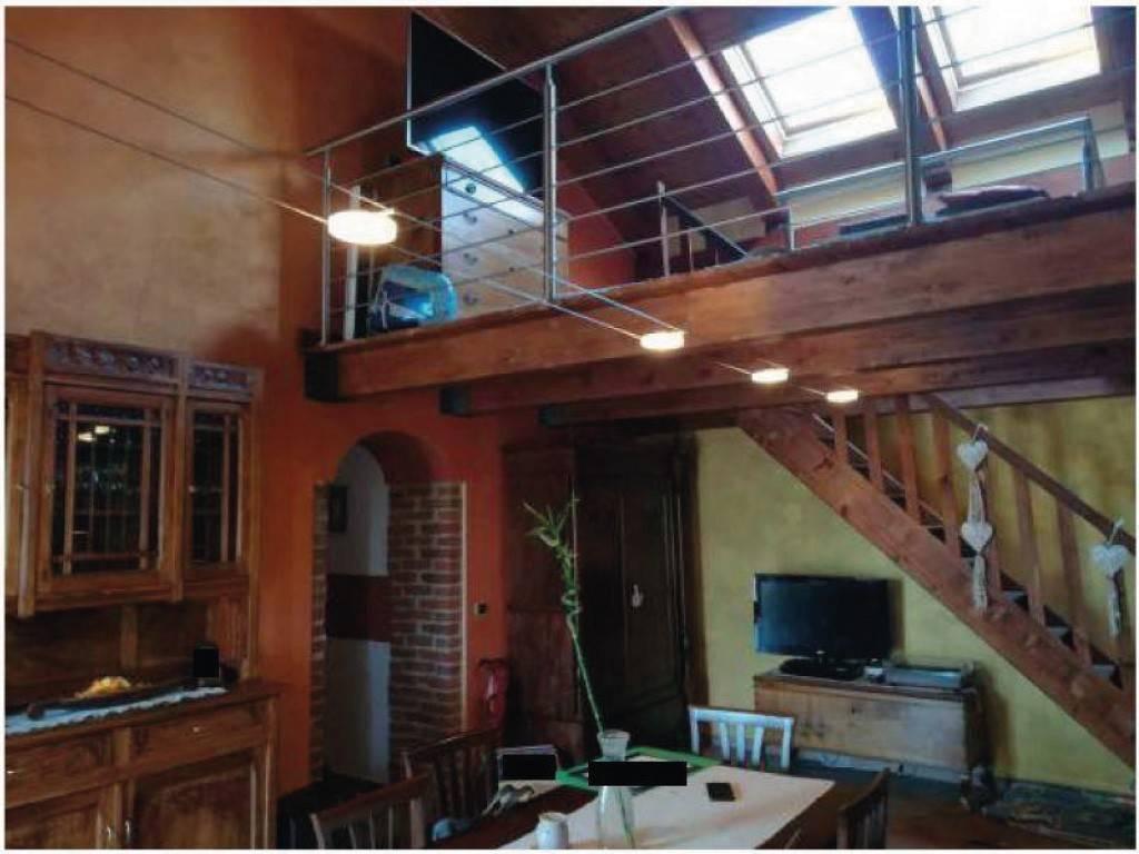 Appartamento in vendita a Caluso, 3 locali, prezzo € 85.000   CambioCasa.it