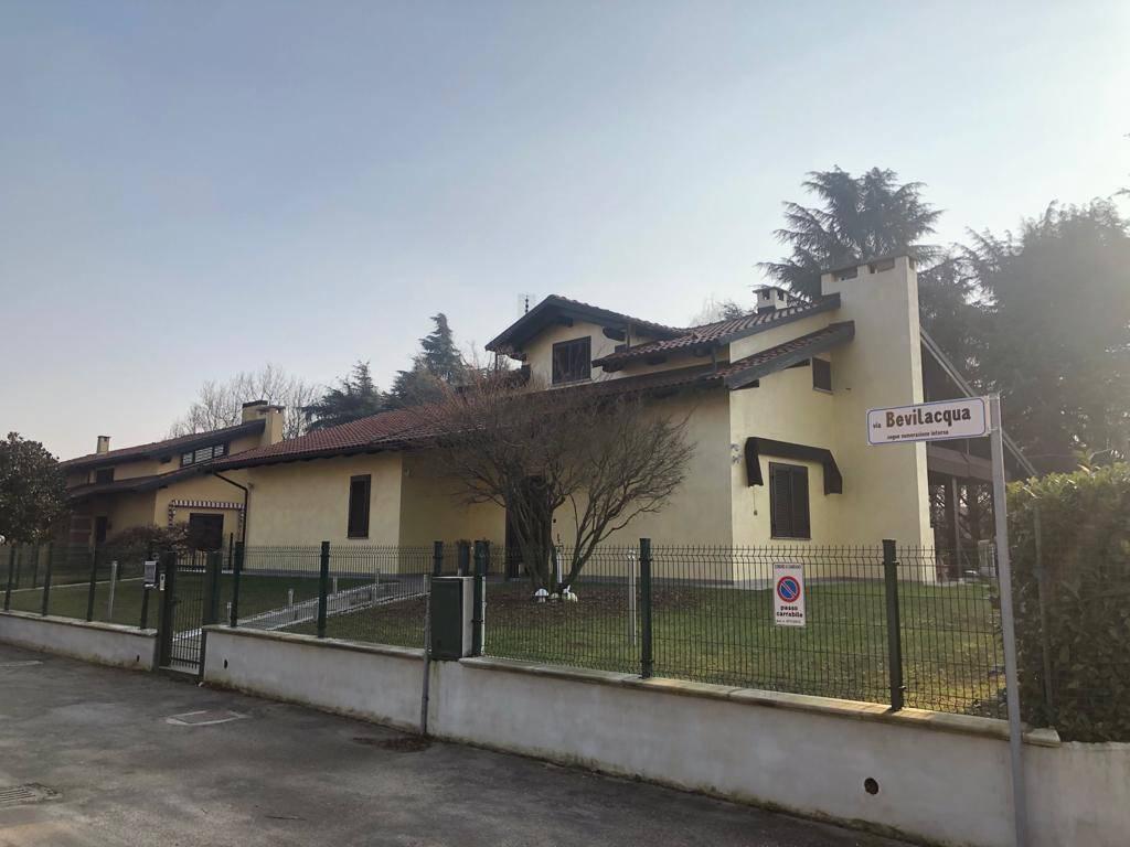 Villa in vendita a Cambiano, 6 locali, prezzo € 480.000 | PortaleAgenzieImmobiliari.it