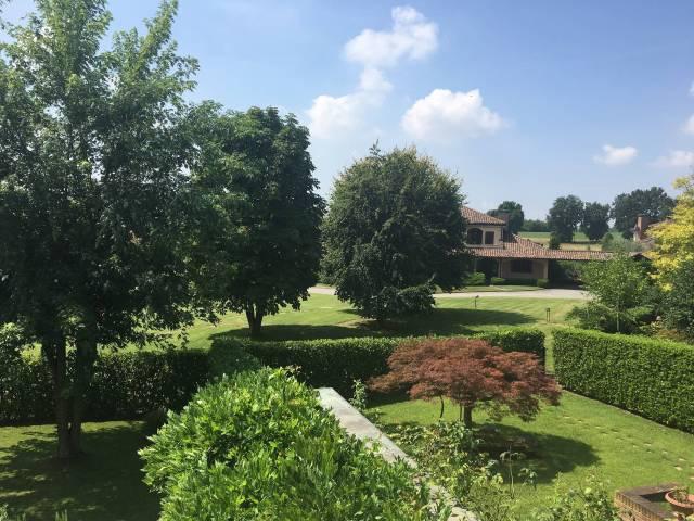 Villa in affitto a Chieri, 6 locali, prezzo € 2.700 | CambioCasa.it