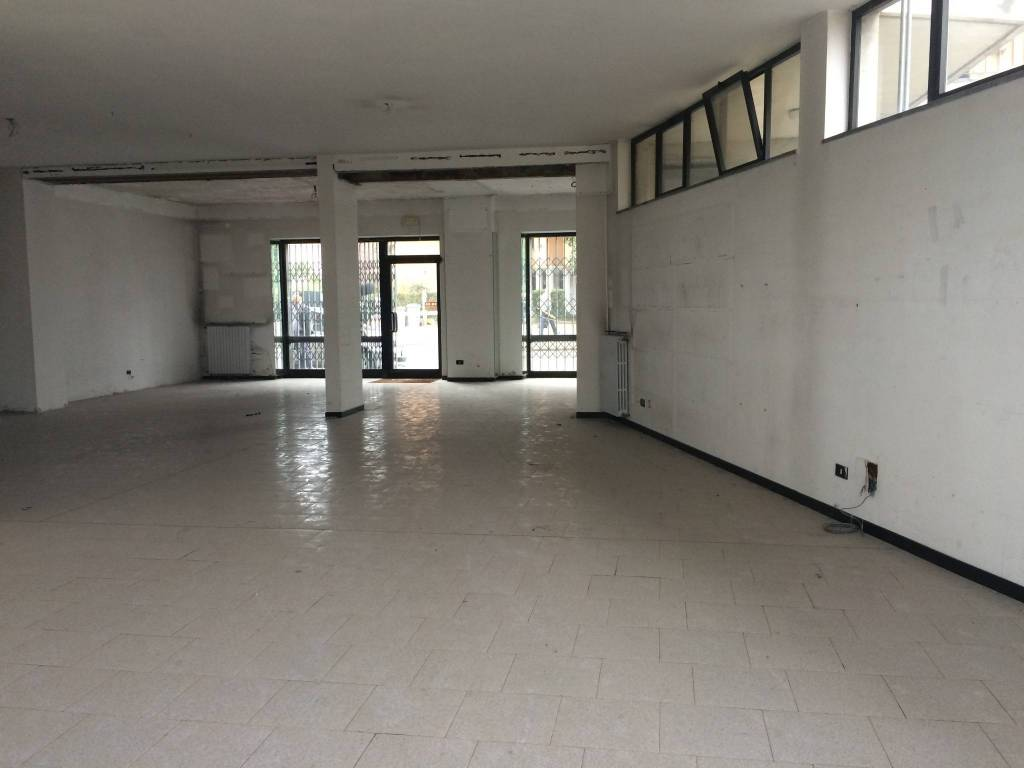 Ufficio / Studio in affitto a Borgomanero, 1 locali, prezzo € 600 | PortaleAgenzieImmobiliari.it