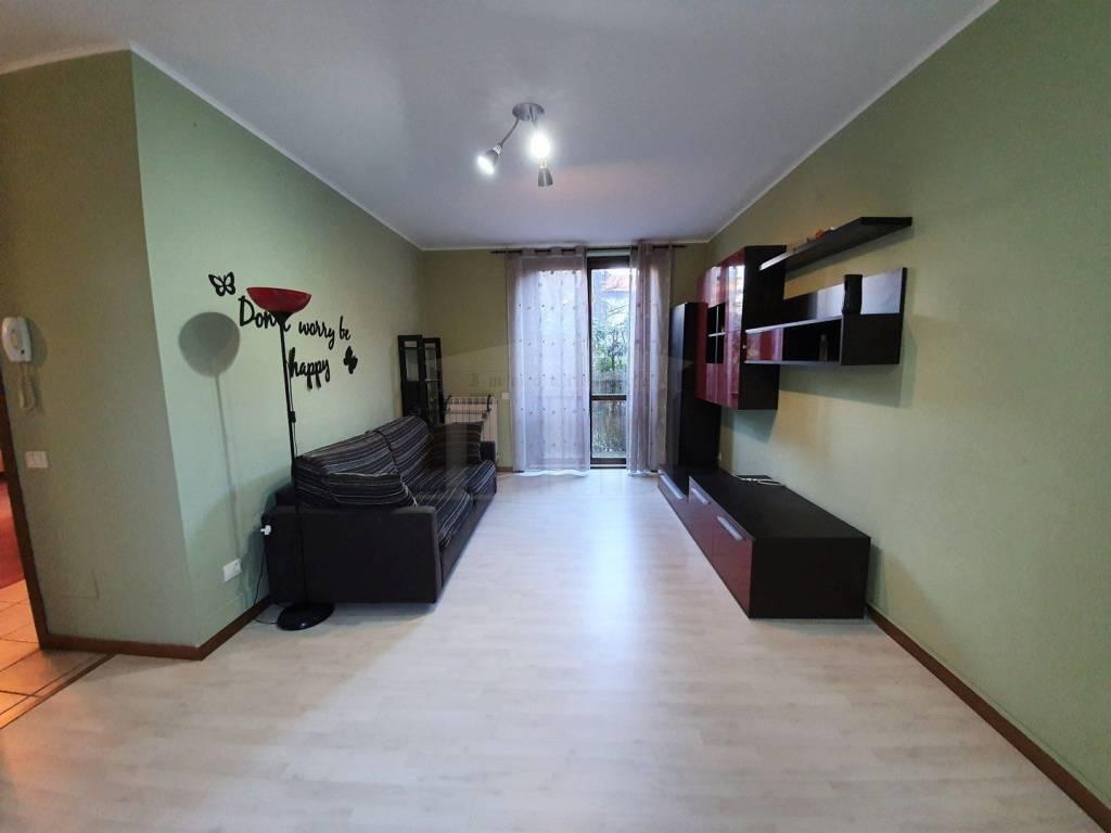 Appartamento in vendita a Cardano al Campo, 2 locali, prezzo € 98.000 | CambioCasa.it