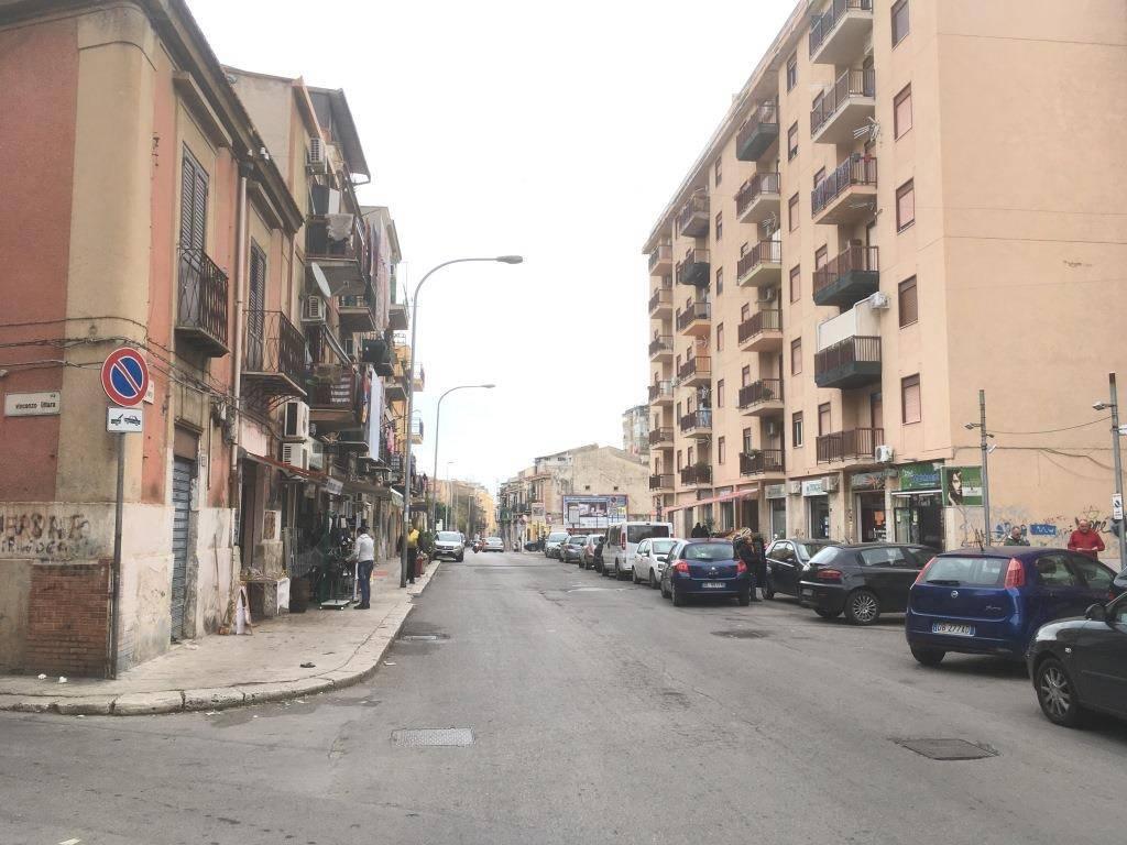 Laboratorio in Vendita a Palermo Semicentro: 5 locali, 280 mq