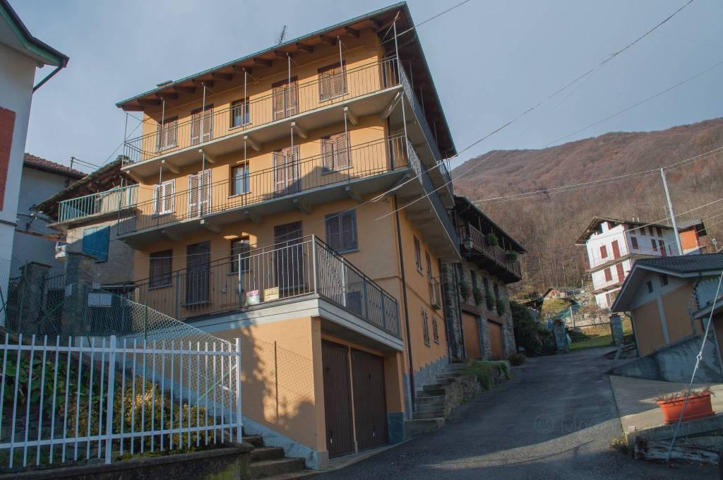 Rustico / Casale in vendita a Mezzenile, 12 locali, prezzo € 210.000 | PortaleAgenzieImmobiliari.it