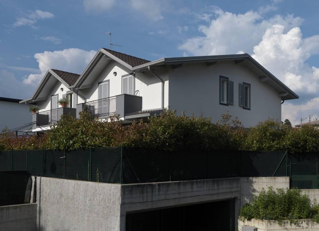 Villa a Schiera in affitto a Uggiate-Trevano, 3 locali, prezzo € 1.250 | PortaleAgenzieImmobiliari.it