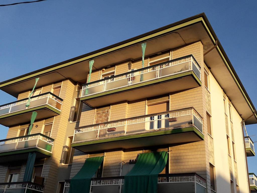 Appartamento in vendita a Santhià, 4 locali, prezzo € 45.000   PortaleAgenzieImmobiliari.it