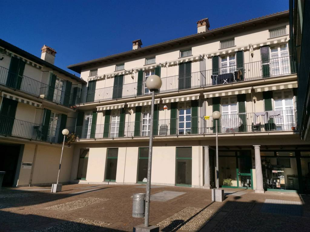Appartamento in vendita a Nibionno, 3 locali, prezzo € 130.000 | CambioCasa.it