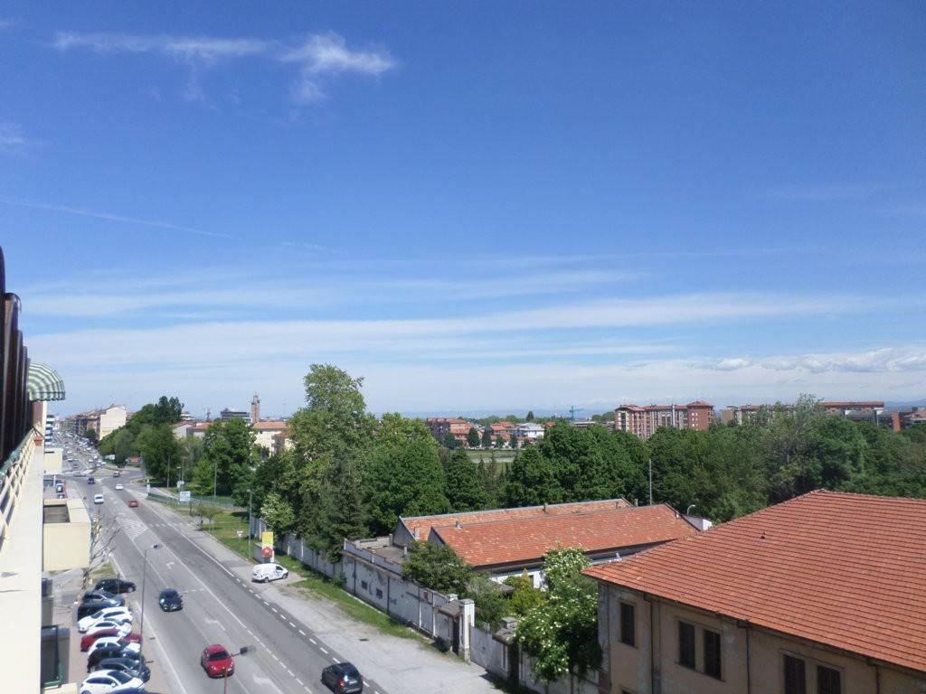 Foto 1 di Attico / Mansarda corso Francia 14/c, Cuneo