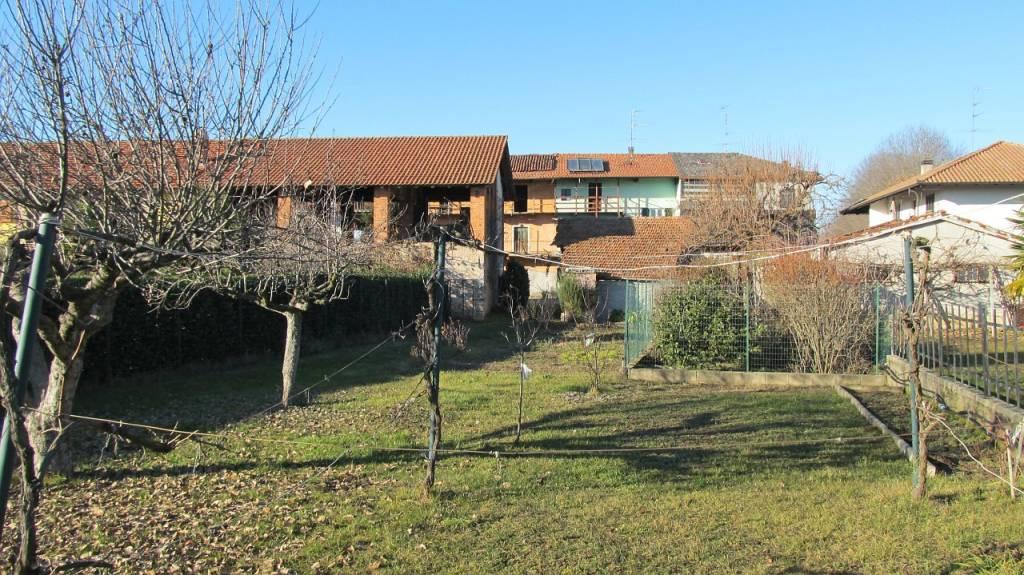 Soluzione Indipendente in vendita a Fontaneto d'Agogna, 3 locali, prezzo € 65.000 | PortaleAgenzieImmobiliari.it