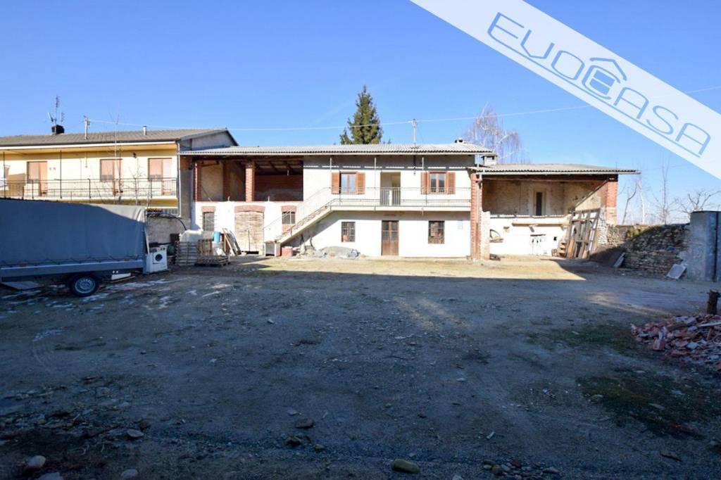 Rustico / Casale da ristrutturare in vendita Rif. 9361950