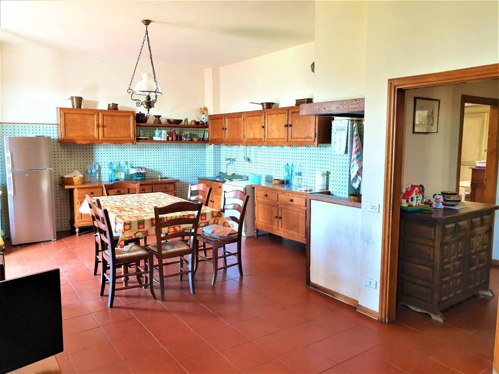 Appartamento in vendita via Vittorio Veneto Carmignano
