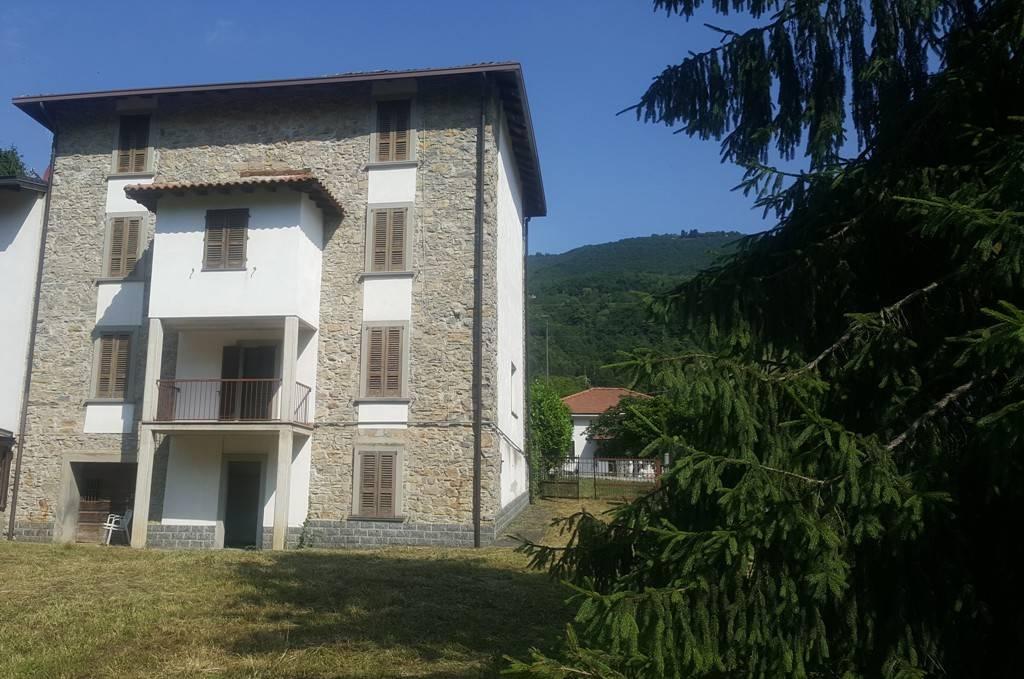 Appartamento in ottime condizioni arredato in vendita Rif. 4222575