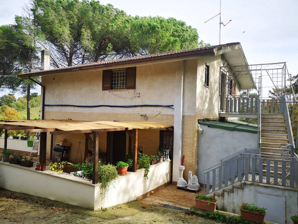 Appartamento in vendita a Civitella San Paolo, 4 locali, prezzo € 69.000 | CambioCasa.it