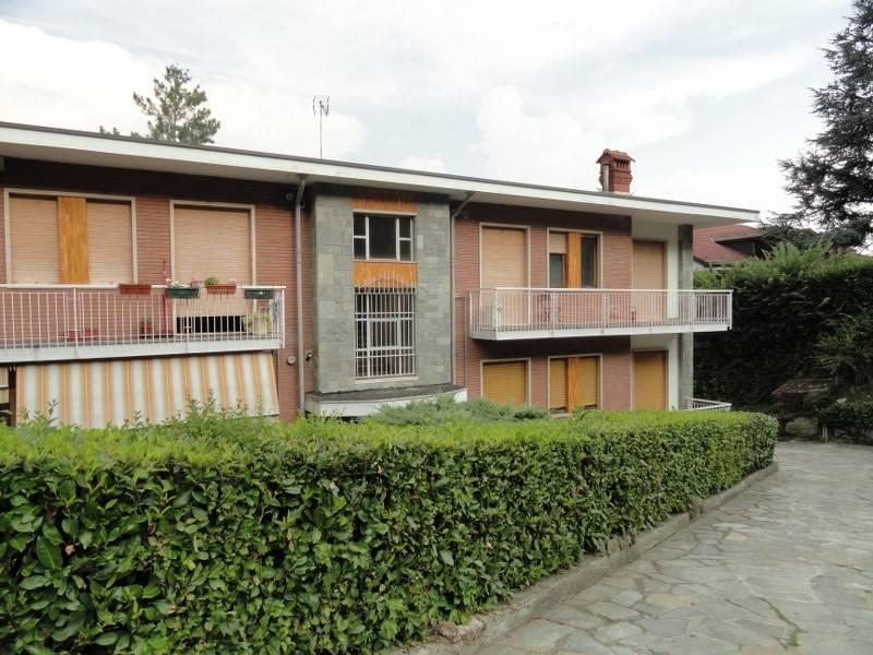 Appartamento in vendita a Pino Torinese, 6 locali, prezzo € 290.000 | CambioCasa.it
