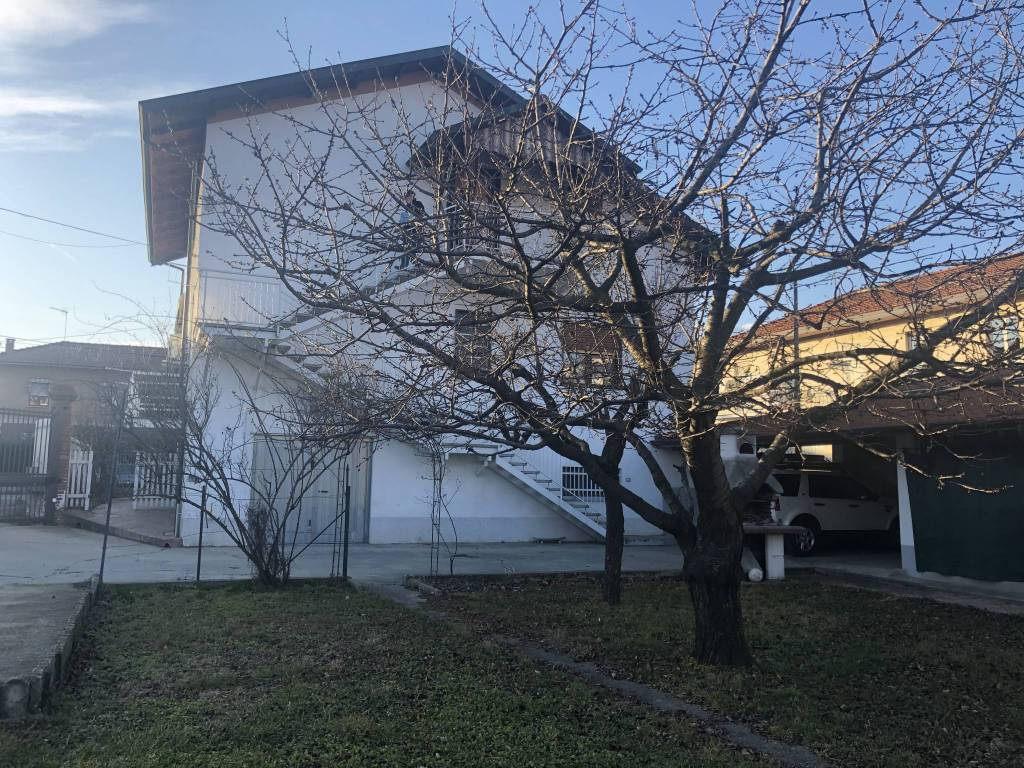 Appartamento in vendita a Alpignano, 4 locali, prezzo € 215.000 | CambioCasa.it