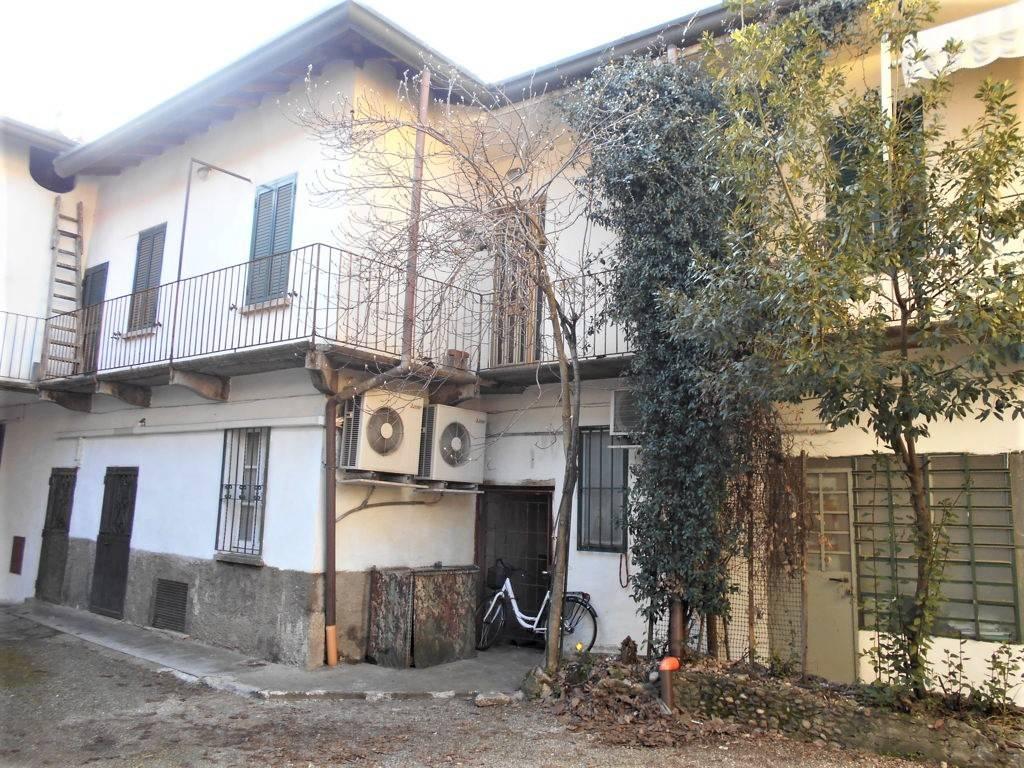 Appartamento in vendita a Cassano Magnago, 3 locali, prezzo € 88.000 | CambioCasa.it