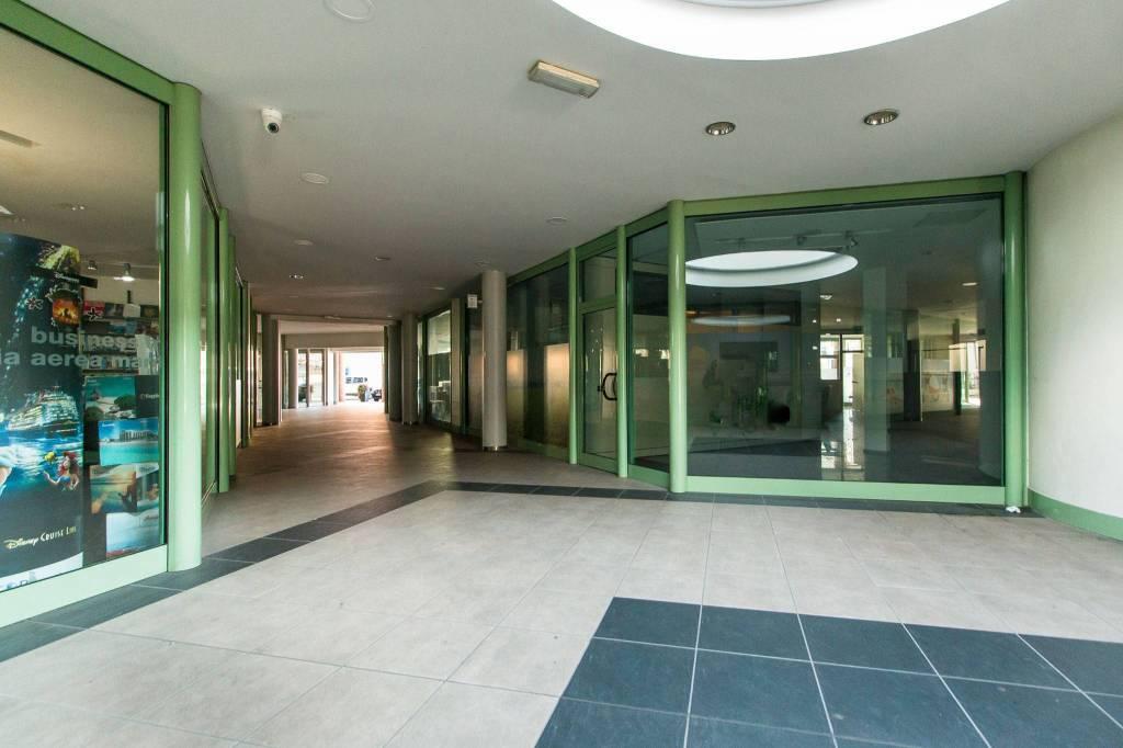 Ufficio / Studio in affitto a Carmagnola, 2 locali, prezzo € 1.000 | PortaleAgenzieImmobiliari.it