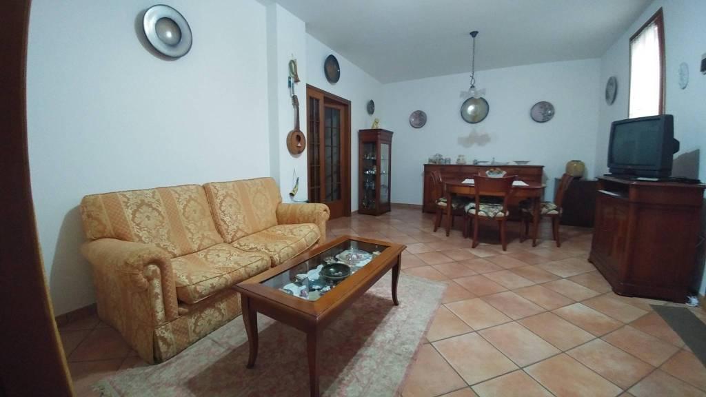 Appartamento in vendita a Castel Bolognese, 4 locali, prezzo € 155.000 | CambioCasa.it