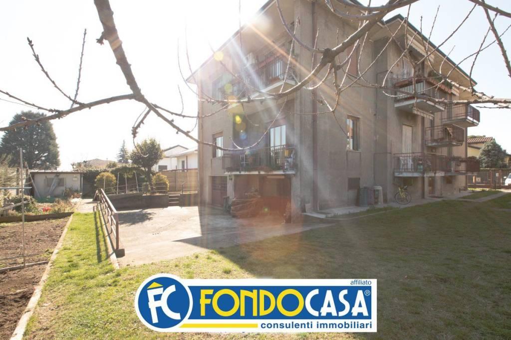 Appartamento in vendita a Cerro Maggiore, 3 locali, prezzo € 135.000   CambioCasa.it
