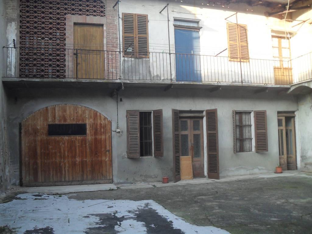 Appartamento in vendita a Castagnole Monferrato, 3 locali, prezzo € 27.000   PortaleAgenzieImmobiliari.it