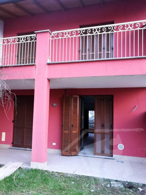 Appartamento in vendita a Oliveto Lario, 3 locali, prezzo € 118.000 | CambioCasa.it