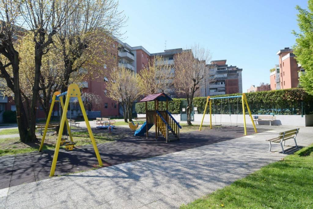 Appartamento in vendita a Lainate, 3 locali, prezzo € 115.000 | CambioCasa.it