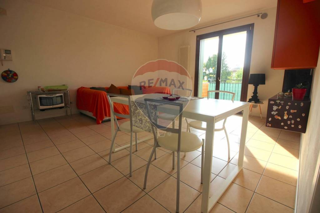 Appartamento in vendita a Dueville, 3 locali, prezzo € 118.000   CambioCasa.it