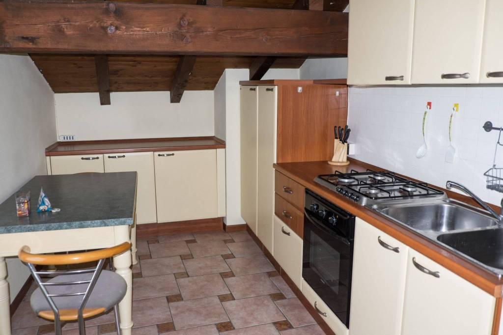 Appartamento in vendita a Sirmione, 2 locali, prezzo € 108.000 | PortaleAgenzieImmobiliari.it