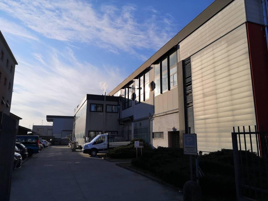 Immobile Commerciale in Vendita a Nova Milanese