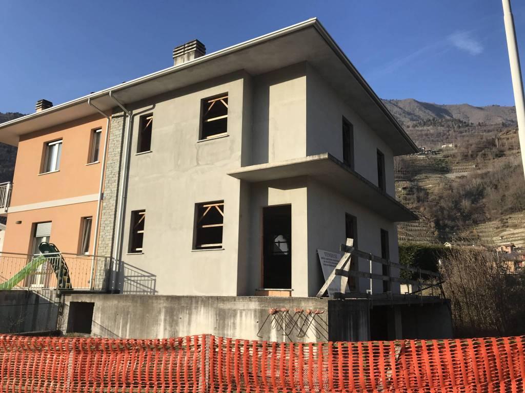 Villa in vendita a Ardenno, 4 locali, prezzo € 127.000 | CambioCasa.it