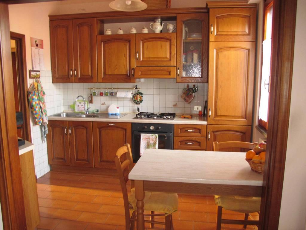 Appartamento in Affitto a Pistoia Periferia Est: 4 locali, 90 mq