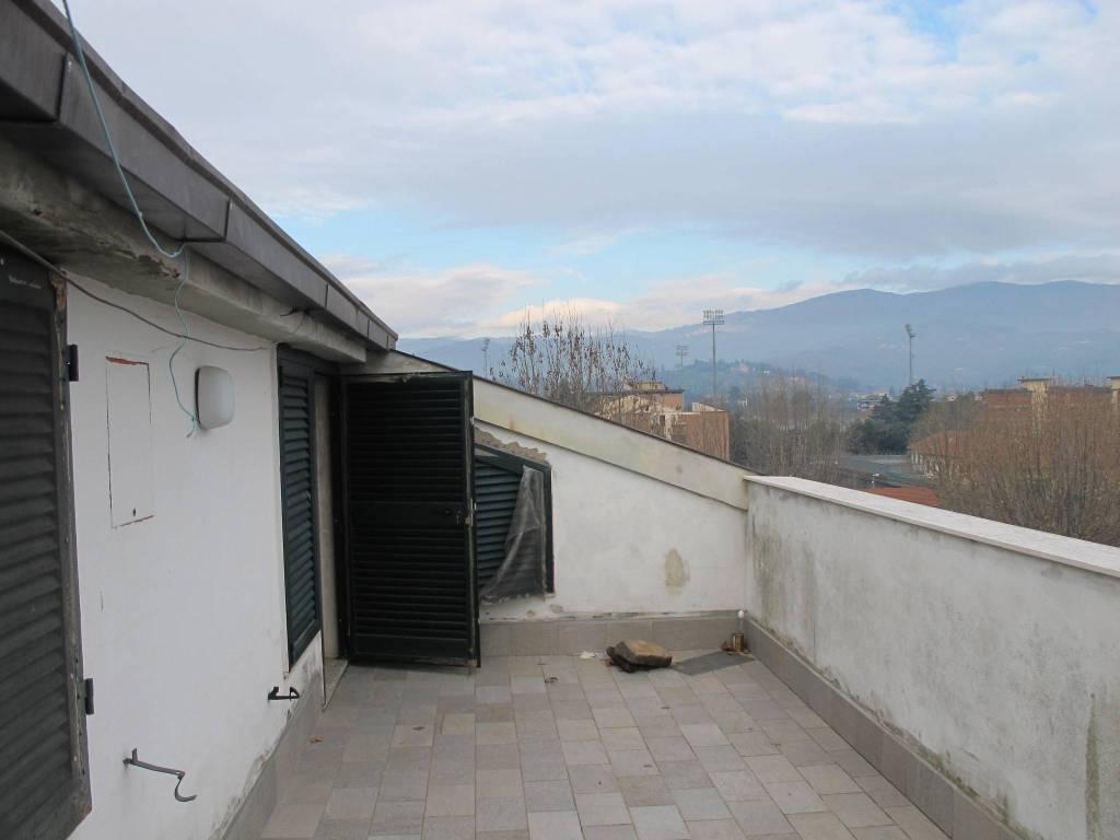 Attico in Vendita a Pistoia Centro: 5 locali, 226 mq