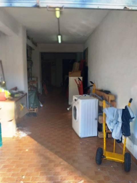Posto-box auto in Vendita a Perugia: 54 mq