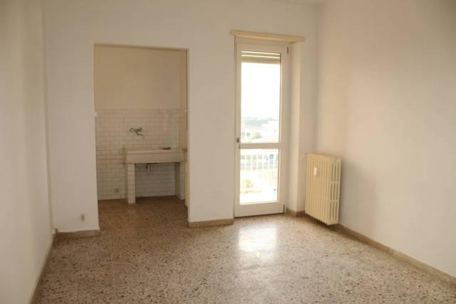 Appartamento in buone condizioni in affitto Rif. 5576064