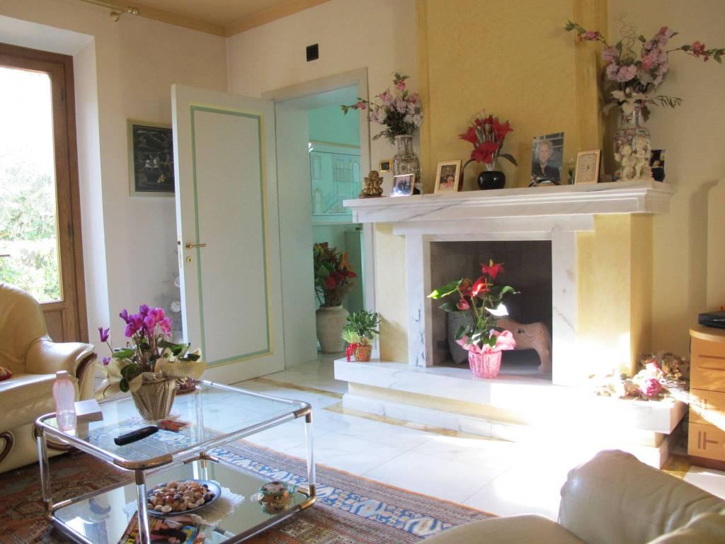 Villa in Vendita a Pistoia Semicentro: 5 locali, 400 mq