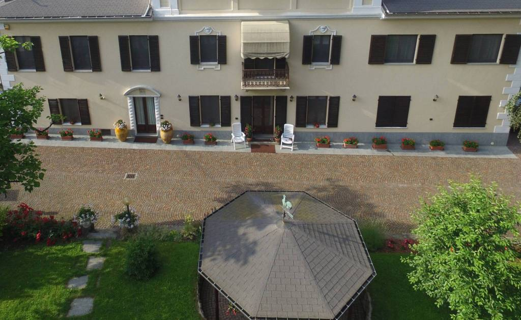 Villa in vendita a Chiusa di Pesio, 12 locali, prezzo € 990.000   PortaleAgenzieImmobiliari.it