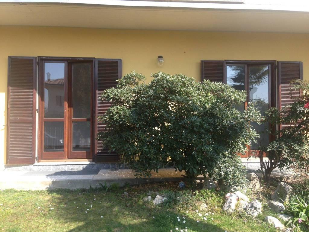 Appartamento in buone condizioni in affitto Rif. 8744749