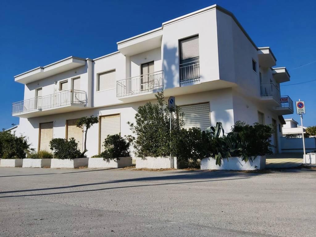 Appartamento in buone condizioni arredato in vendita Rif. 8327499