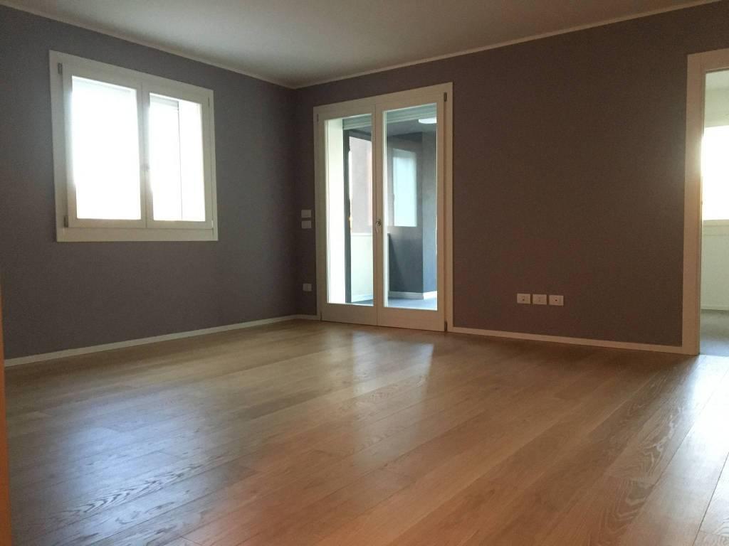 Appartamento in vendita Rif. 8859398