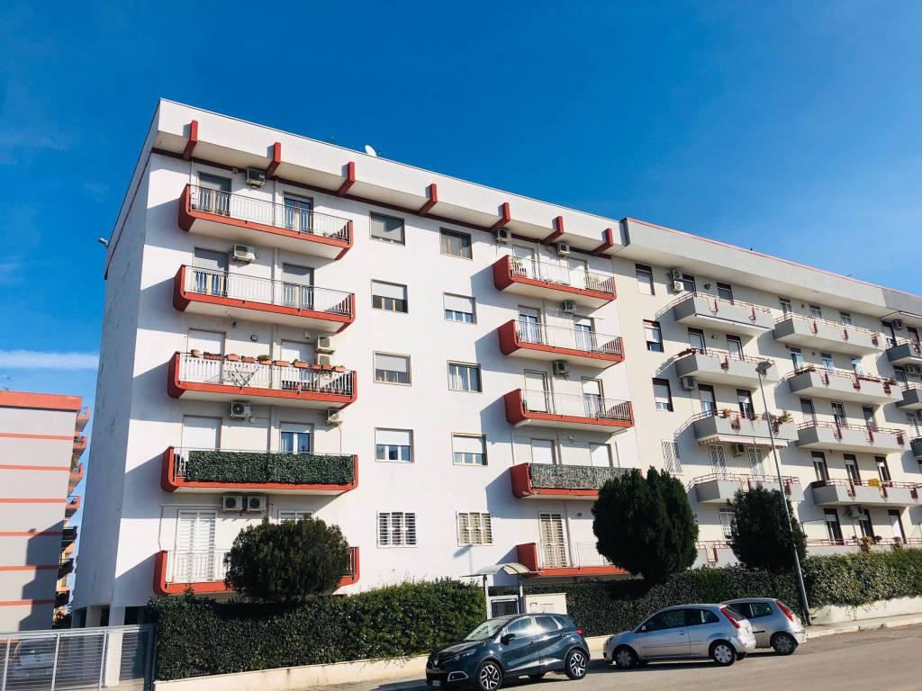Appartamento in vendita a Bari, 4 locali, prezzo € 220.000   CambioCasa.it