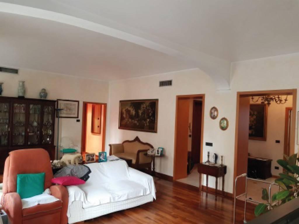 Appartamento in vendita a Torino, 4 locali, zona San Secondo, Crocetta, prezzo € 360.000 | PortaleAgenzieImmobiliari.it