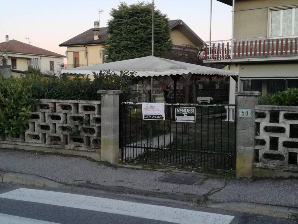 Negozio / Locale in vendita a Pieve Porto Morone, 2 locali, prezzo € 58.000 | PortaleAgenzieImmobiliari.it