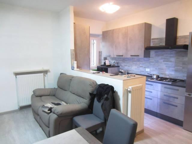 Appartamento in buone condizioni in vendita Rif. 7137961