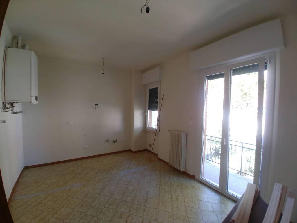 Appartamento in Affitto a Forli' Centro: 4 locali, 120 mq