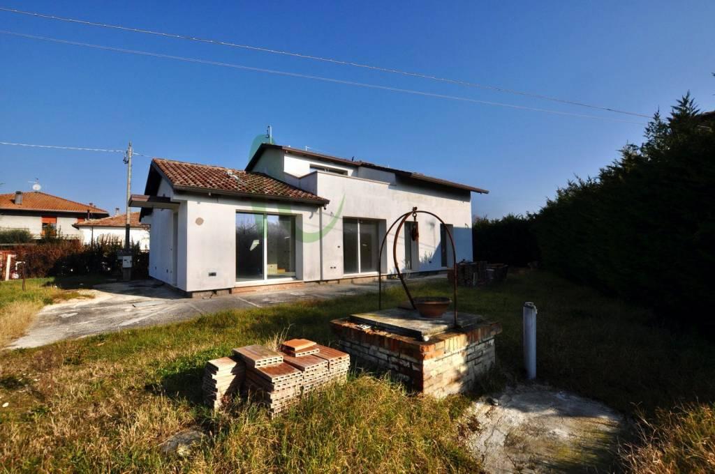 Casa indipendente in Vendita a San Mauro Pascoli Centro: 5 locali, 250 mq