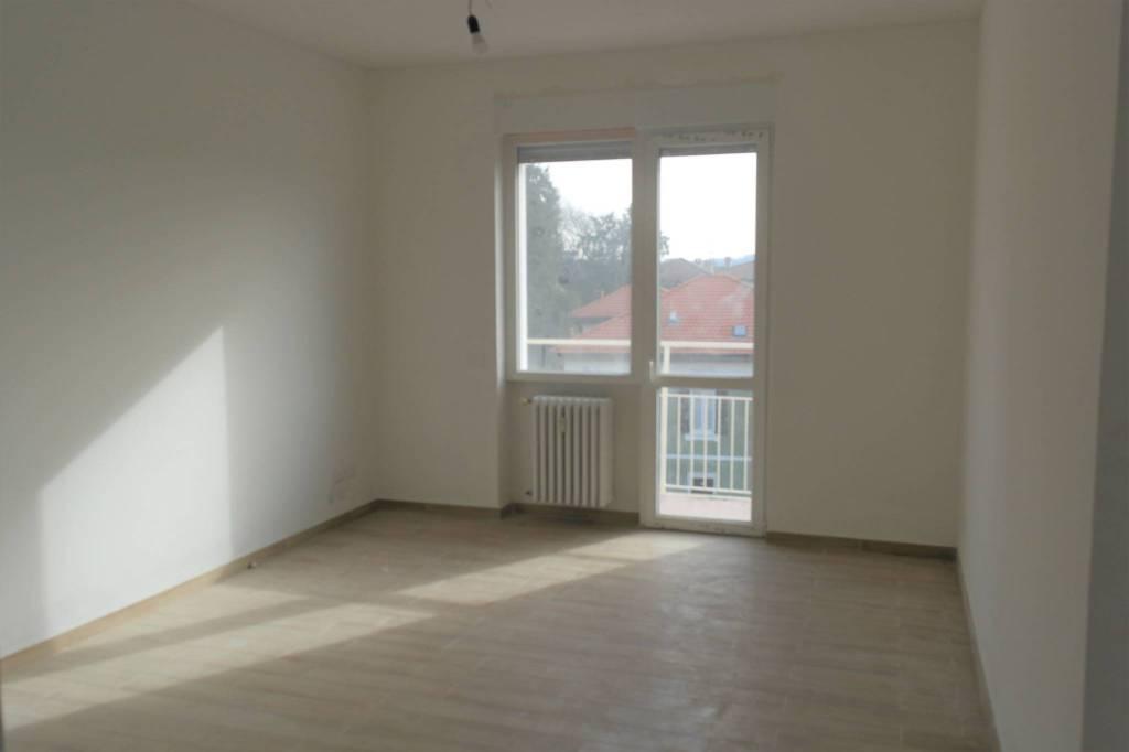 Appartamento in vendita a Besozzo, 3 locali, prezzo € 88.000 | CambioCasa.it