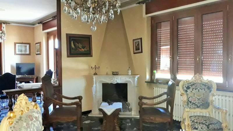 Villa in vendita a Pasturana, 8 locali, Trattative riservate | CambioCasa.it