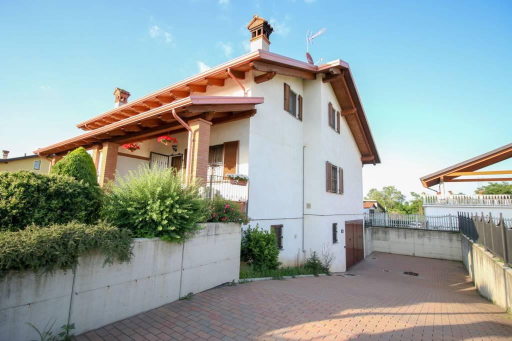 Foto 1 di Villa via Trieste 175, Bosconero
