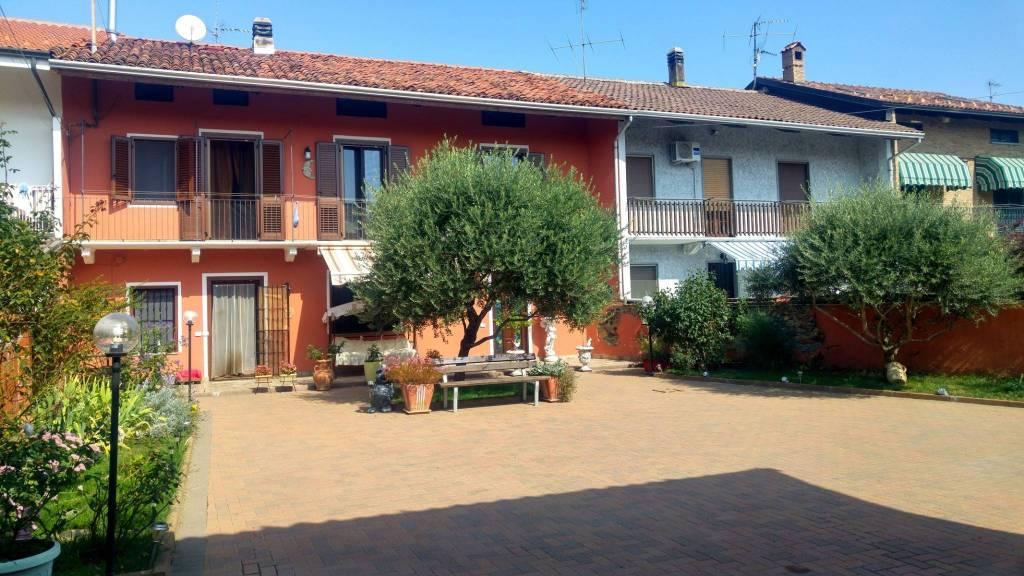 Foto 1 di Casa indipendente via vische, 6, Villareggia