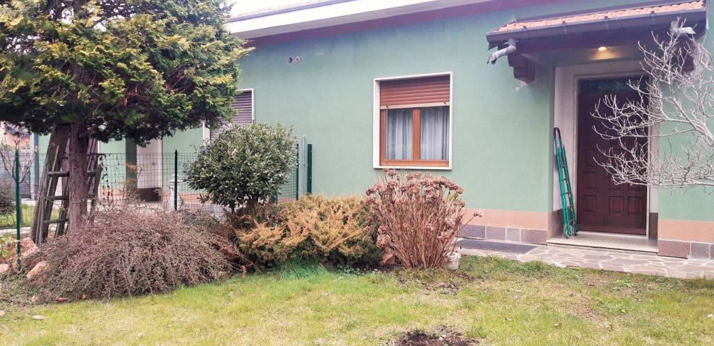 Villa in vendita a Cairate, 3 locali, prezzo € 175.000 | PortaleAgenzieImmobiliari.it