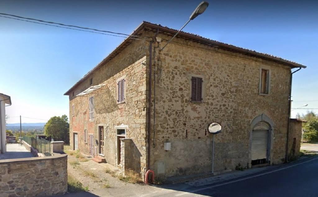 Rustico / Casale in Vendita a Arezzo